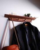 他の写真2: 【木製壁掛け棚/壁掛フック】タナフック ウォールナットモデル[ 壁面に機能と飾りを!]