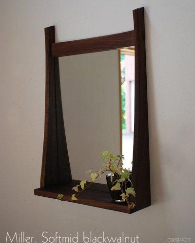 画像1: 棚付き壁掛け鏡soft40ウォールナット おしゃれでシック高級感 インテリアミラー[壁掛け鏡&棚専門店イオリスペース]