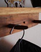他の写真1: 【木製壁掛け棚/壁掛フック】タナフック クルミモデル[ 壁面に機能と飾りを!]
